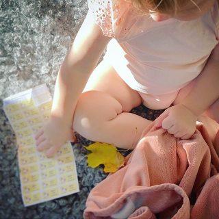 ✨Samarbete med @lantligahuset ✨ Gör som dem och märk upp barnens tillhörigheter med namnlappar! ✨